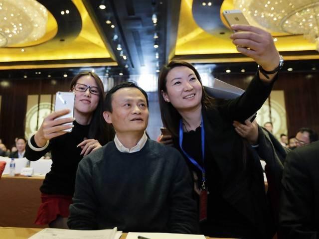 Alibaba đầu tư 590 triệu USD để lấn sân thị trường smartphone